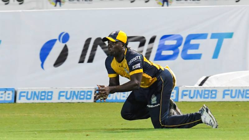 Bowlers and Hetmyer take Warriors into CPL semis