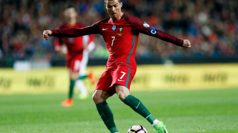 Ronaldo limited in Portugal camp by foot infection