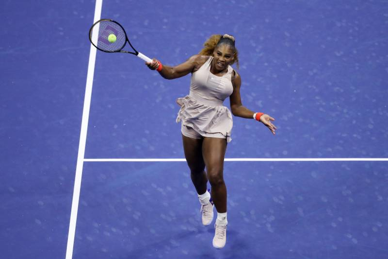 Serena advances to US Open last 32, Murray crashes out