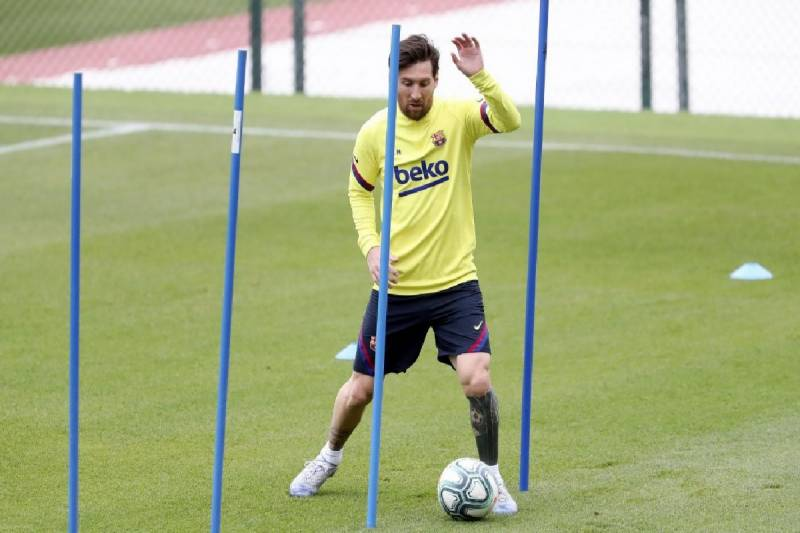 Messi trains for first time since blocked attempt to leave Barca