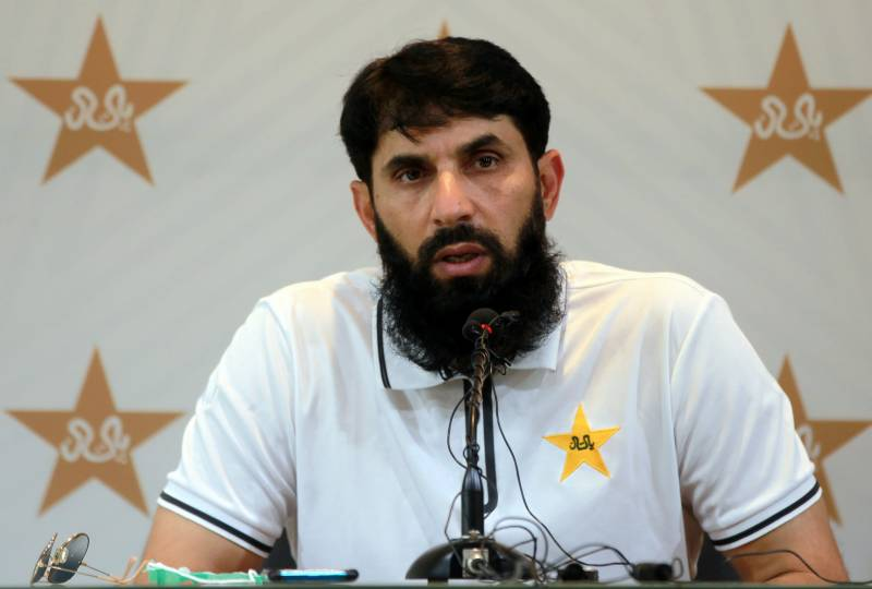 Misbah puts up stout defence of young pacers