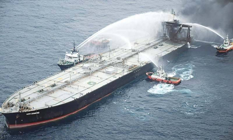 Burning oil tanker leaks diesel off Sri Lanka