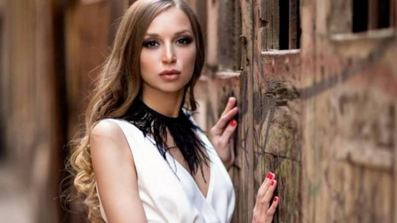 Italy probes Russian glamour model's death near NATO base