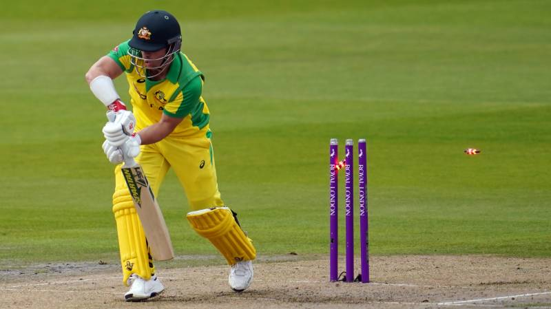 England bowl in 1st ODI as Australia's Smith misses out with head knock