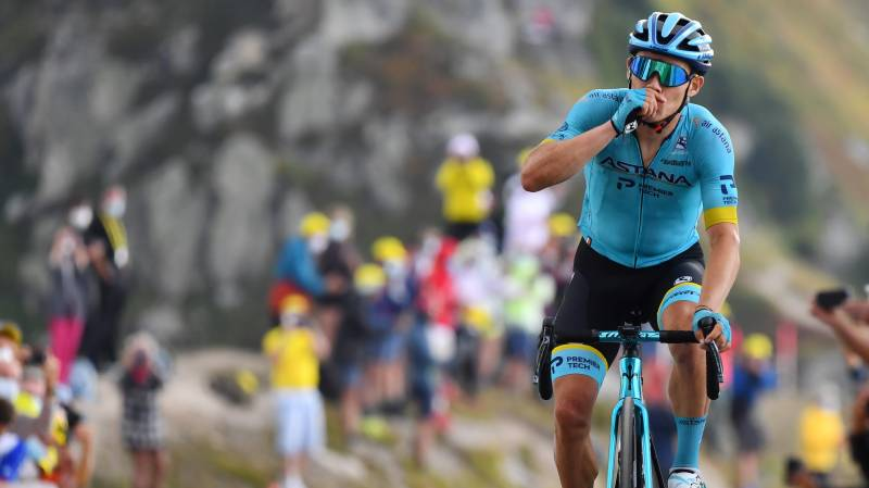 Colombia's Lopez wins on Tour summit, Roglic extends lead