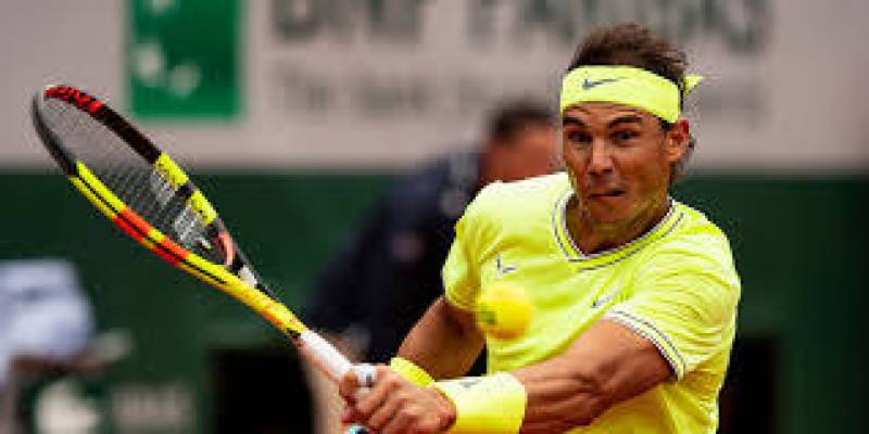 Nadal sweeps into third round on Rome return