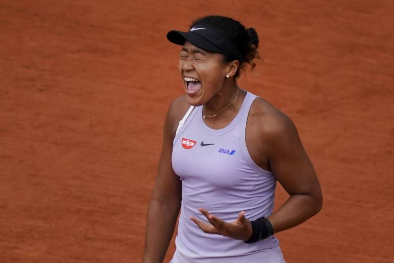 Osaka withdraws from French Open with injury