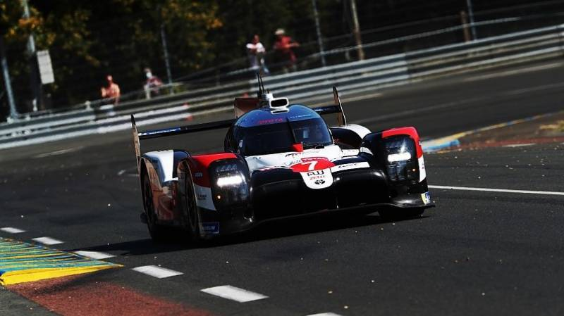 Toyota set off from pole in quest for third Le Mans title
