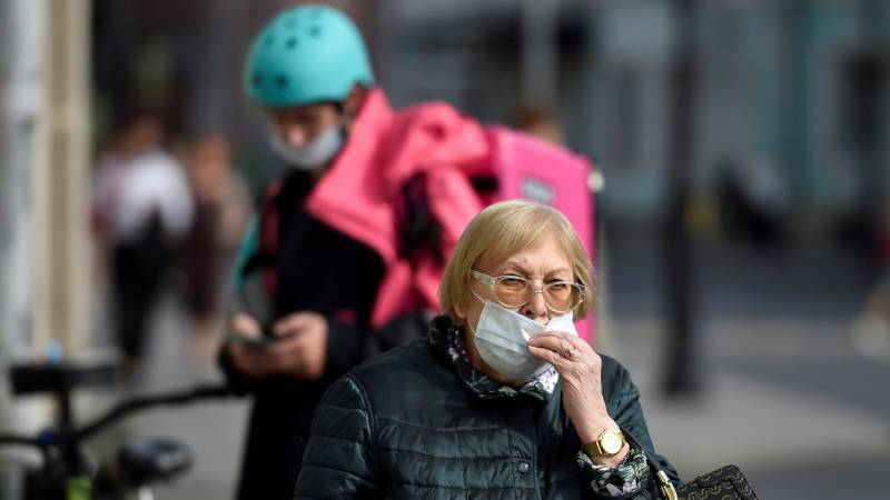 New virus cases in Moscow climb to June levels