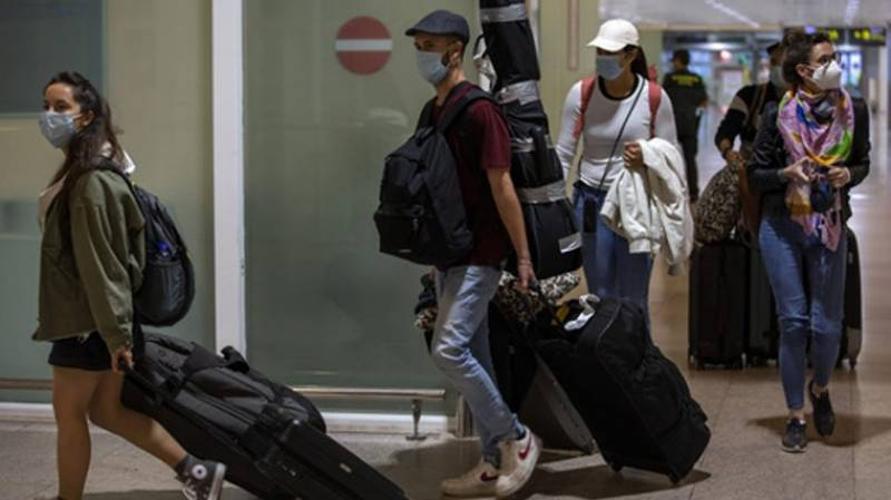 Swiss slap quarantine on travellers from UK, 14 other countries