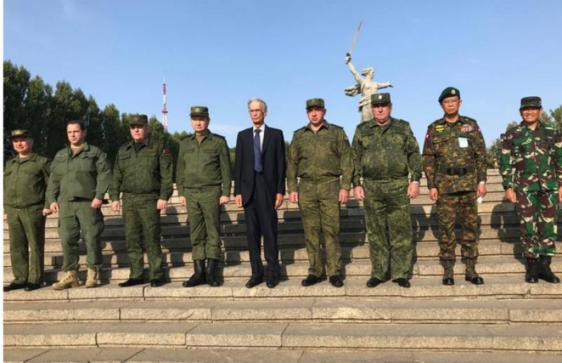 Defence Minister Khattak witnesses military drills in Russia