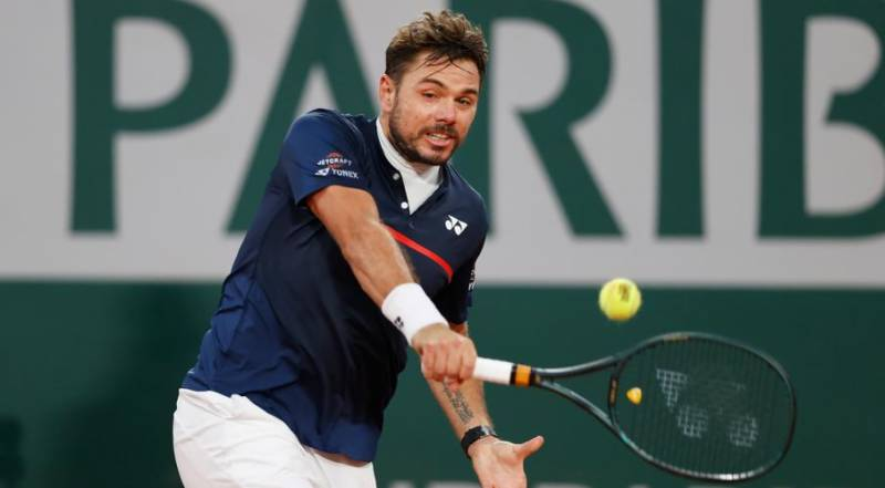 'Ridiculous' cold sparks French Open revolt as Wawrinka downs Murray