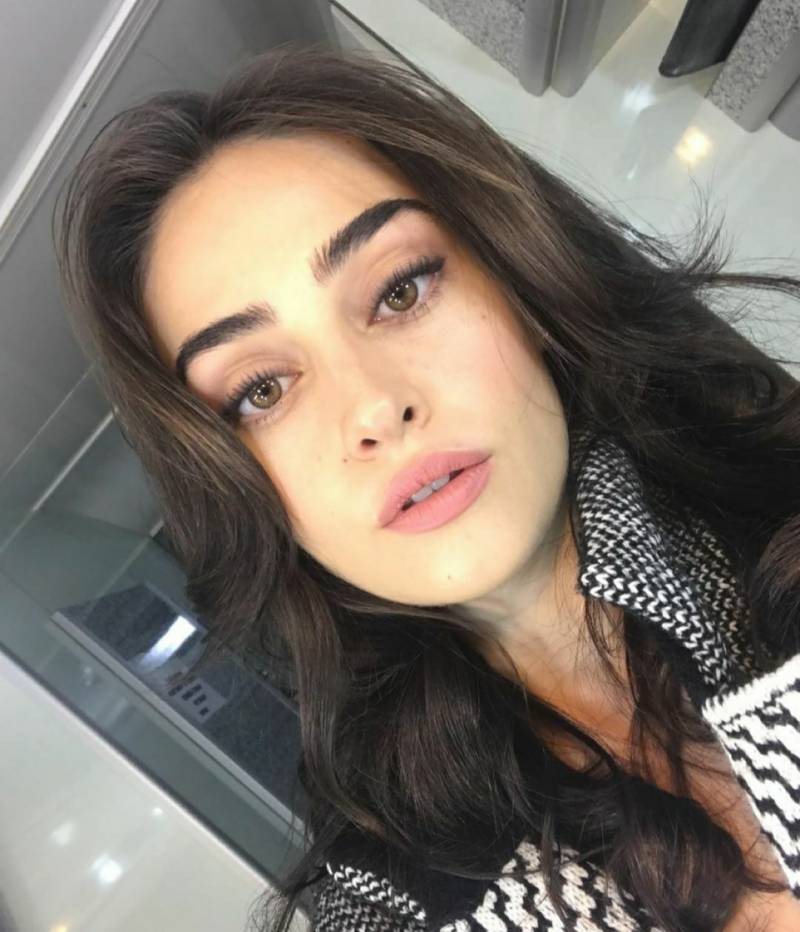 Ertugrul actress Esra Bilgic posts a cryptic note about love