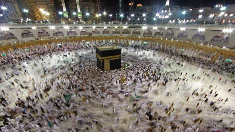 Makkah to reopen for Umrah on Sunday