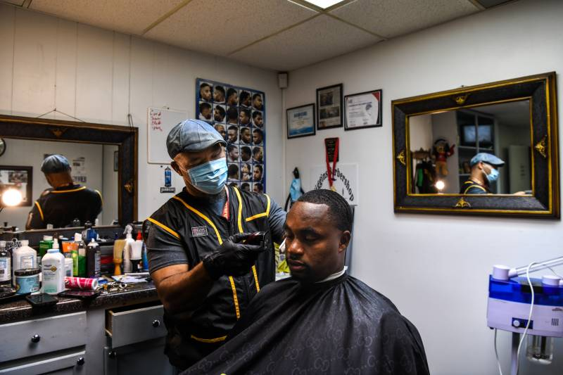 Mississippi barbershop offers haircut and 'shoulder to lean on'