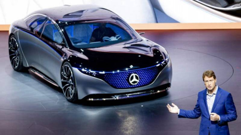 Daimler to cut costs by 20%, focus on e-cars