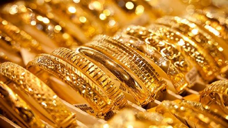 Gold price shoots up in domestic market