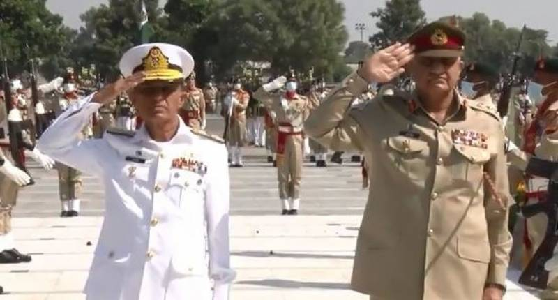 Army Chief felicitates Naval Chief on assuming PN command
