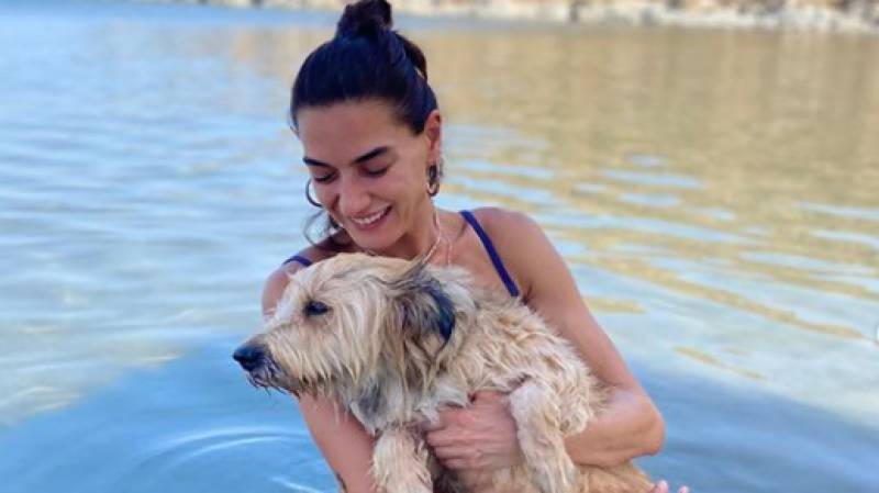 Ertugrul actress Hande Subasi stuns fans with new swimsuit photo
