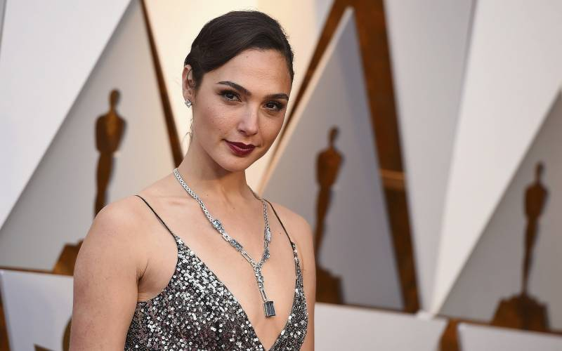 Pakistani critic flays Gal Gadot for accepting Cleopatra role