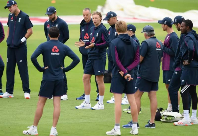 England cricketers agree virus pay cuts