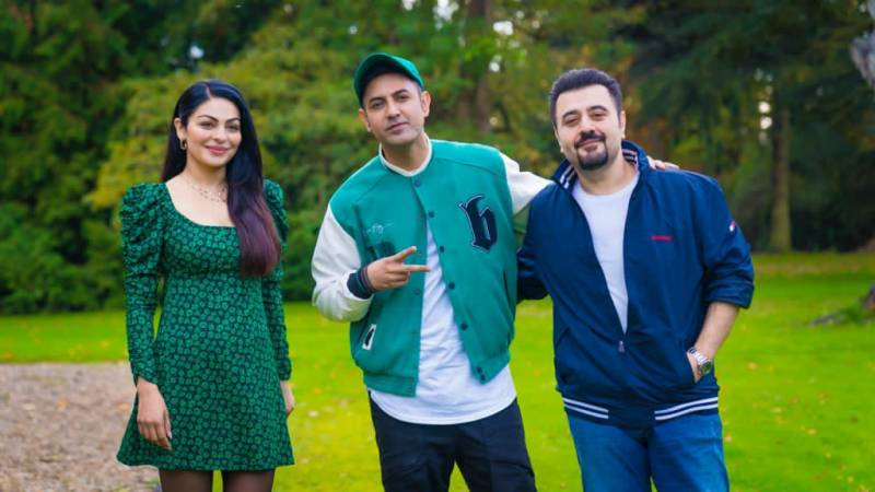Ahmed Ali Butt steps into Int'l circuit with 'Phatte Dinde Chakk Punjabi'