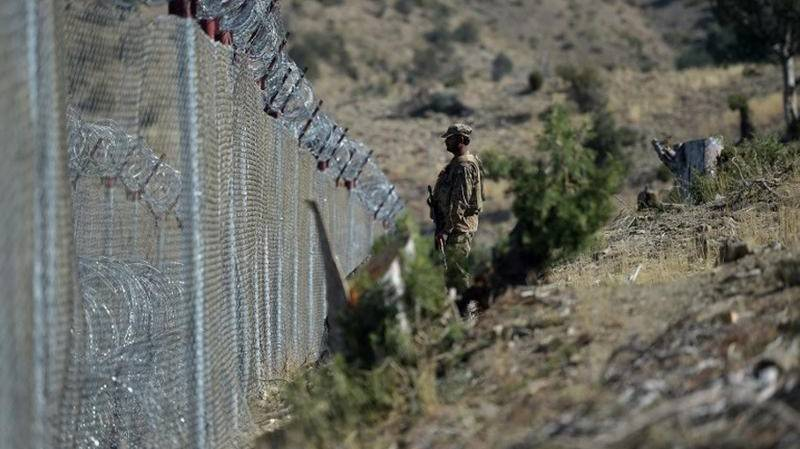 Pakistani soldier martyred, two wounded as Afghan terrorists raid checkpoint