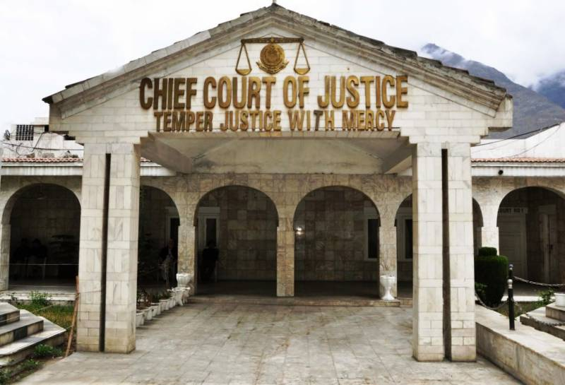 GB top court orders federal govt ministers to leave region