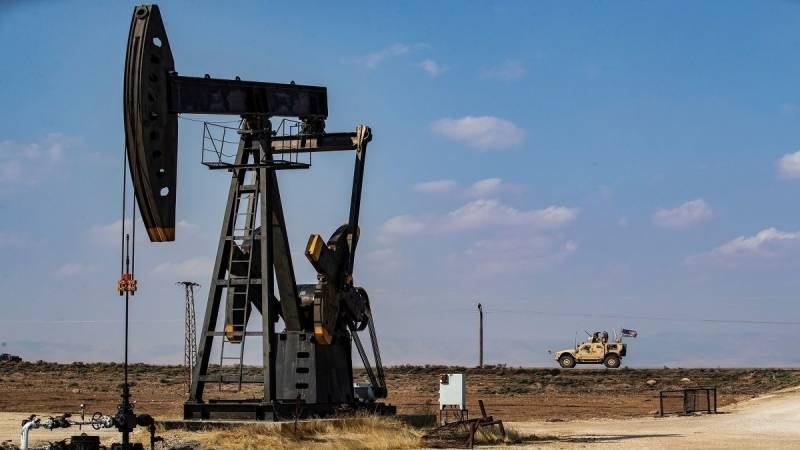 US targets Syria oil, intelligence in new sanctions