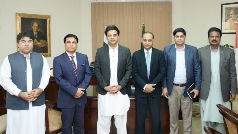 Govt endeavouring to convert youth into economic force: Dar