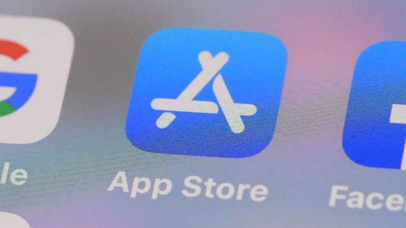 Apple to halve its cut from small app developers