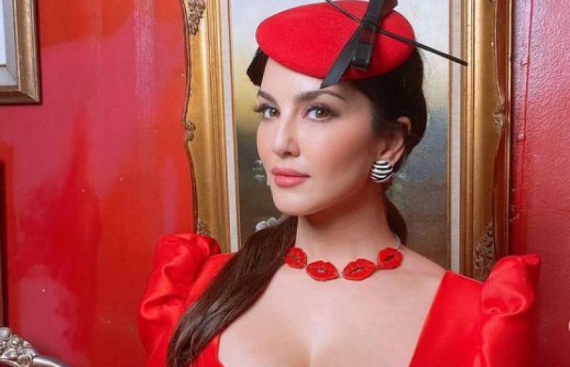 Sunny Leone sizzles in red hot dress