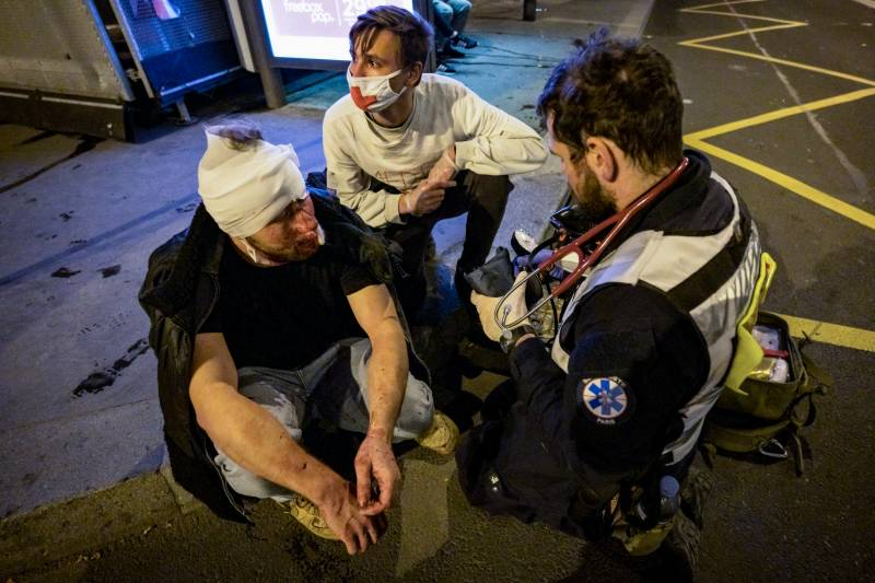 Award-winning photojournalist wounded covering Paris protest