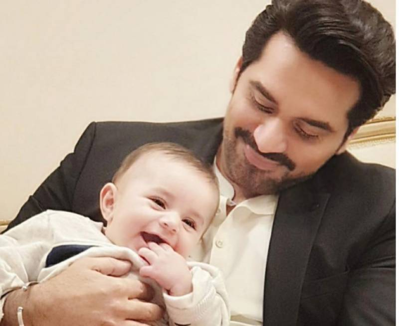 Humayun Saeed's picture with Hamza Ali Abbasi's kid wins hearts of fans