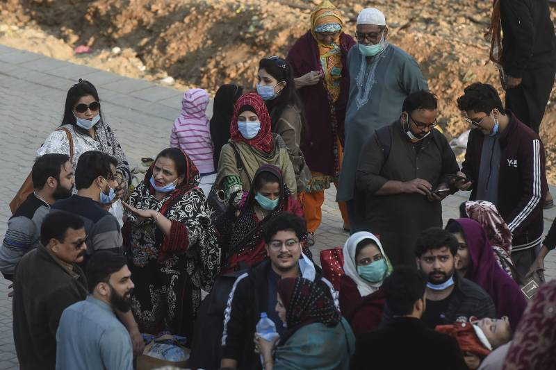 Pakistan reports 75 Covid-19 deaths, over 2,800 new infections