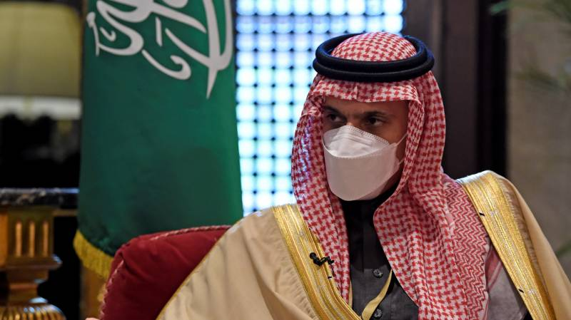 Saudi FM says allies 'on board' for resolution of Gulf crisis