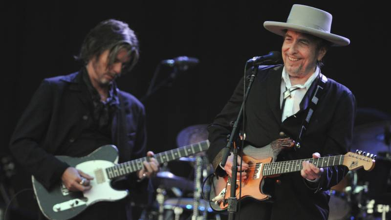 Universal Music buys Bob Dylan's entire back catalog