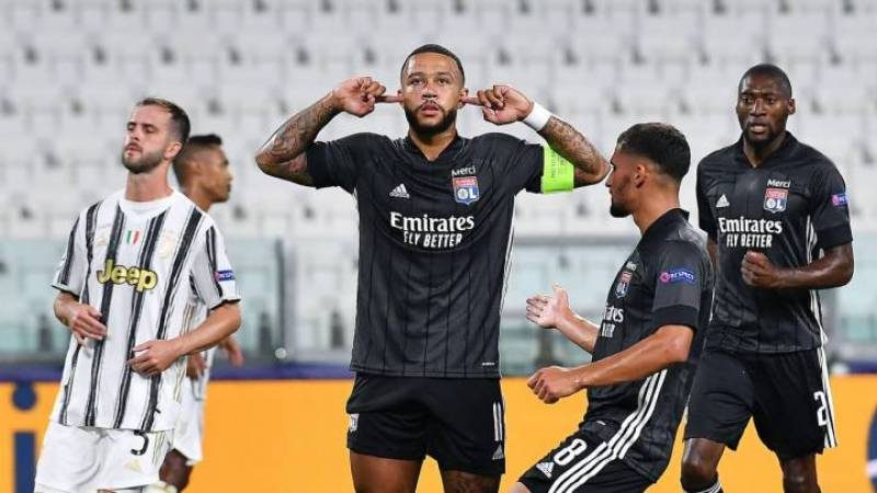 Lyon begin Champions League defence with narrow victory