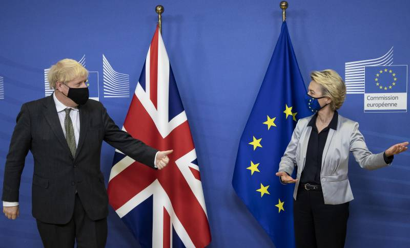 EU and UK give each other until Sunday to save Brexit talks