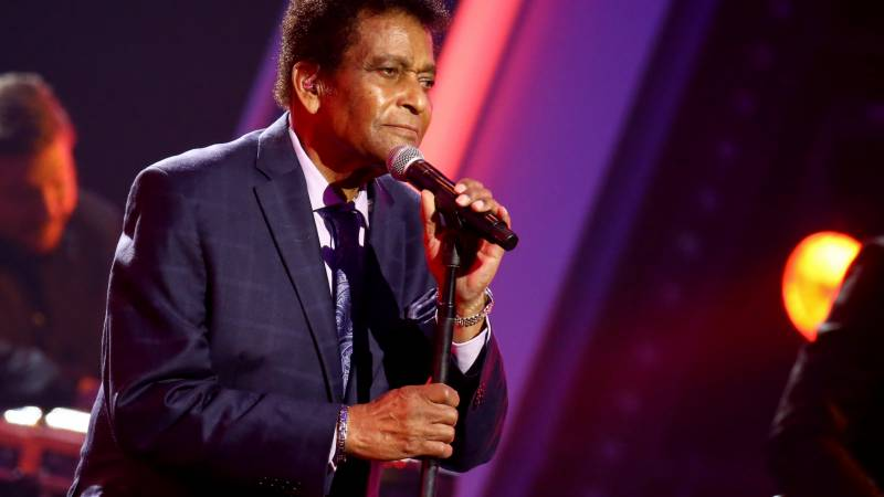 Trailblazing country music singer Charley Pride dead at 86