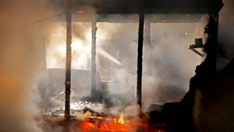 Woman, daughter burnt alive in Karachi house fire