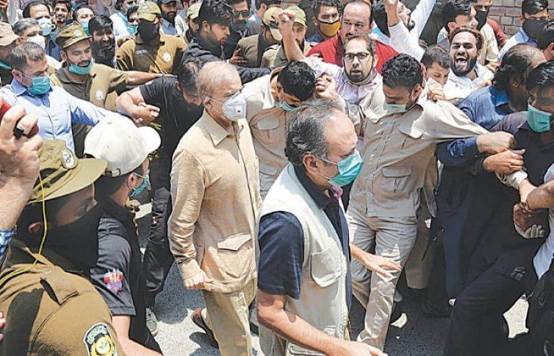 FIA to grill jailed Shehbaz, Hamza over alleged Rs25b money laundering