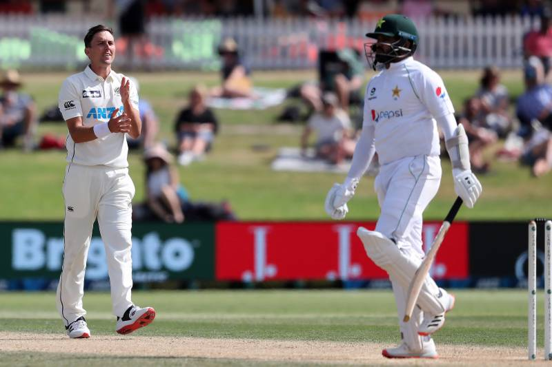 Southee leads New Zealand charge to have Pakistan on the ropes