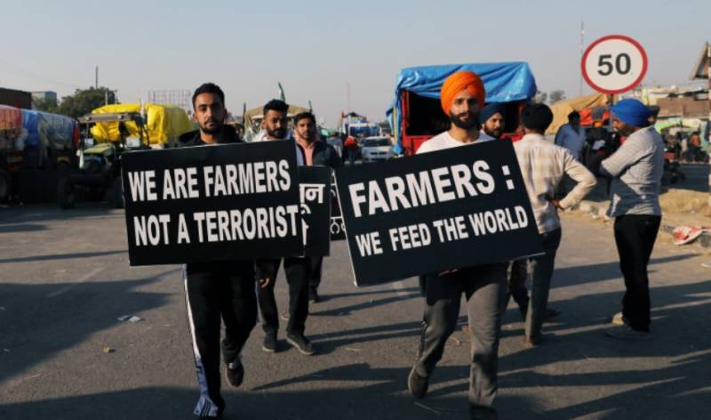 Telecom towers targeted amid Indian farmer protests
