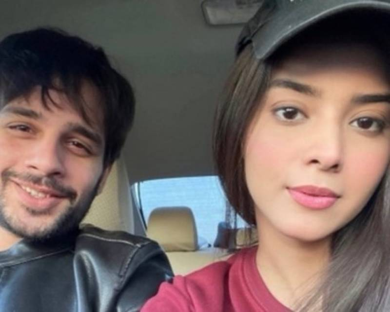Zainab and Usama Khan have good chemistry on and OFF the screen