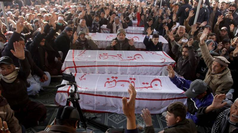 Slain coalminers' families refuse to bury the dead, want to meet PM