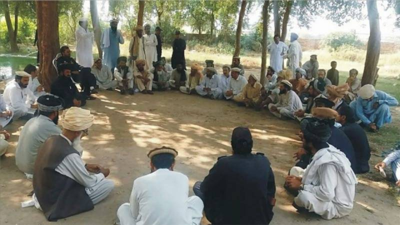 Labourer expelled from village after refusing to give daughter in Wani