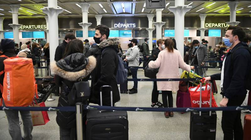 Test change for travellers to UK as virus cases mount
