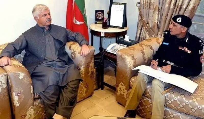 KP CM Mahmood conveys reservations about IGP to PM Imran