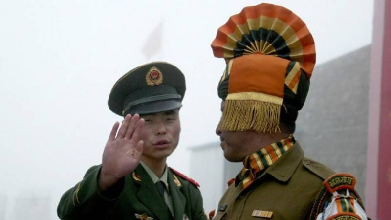 India returns Chinese soldier who strayed over border